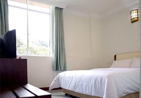 โรงแรมเซ็นทรัล ซานดากัน: Room