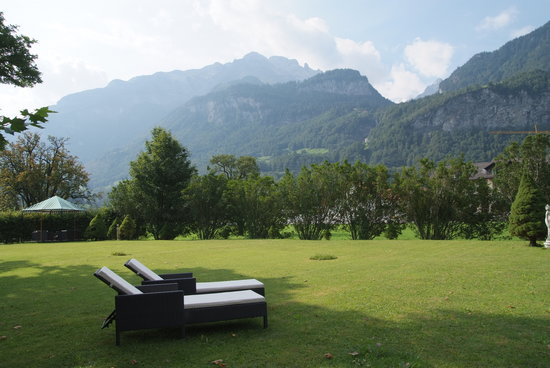 Meiringen, Switzerland: View to teh reichenbach Falls from the Southern relax & chill garden