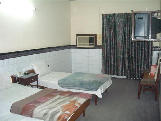 Parkway Hotel : my room