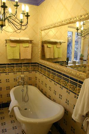 Hotel D-house Rouen: superbe baignoire
