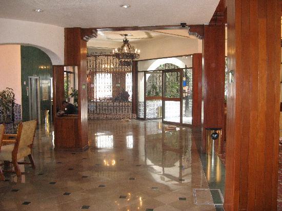 Hotel Maria Cristina: Lobby Area