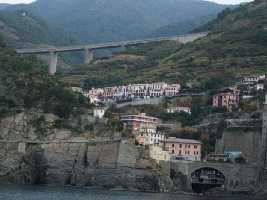 La Colonnina Hotel: Another town along the Cinque Terre