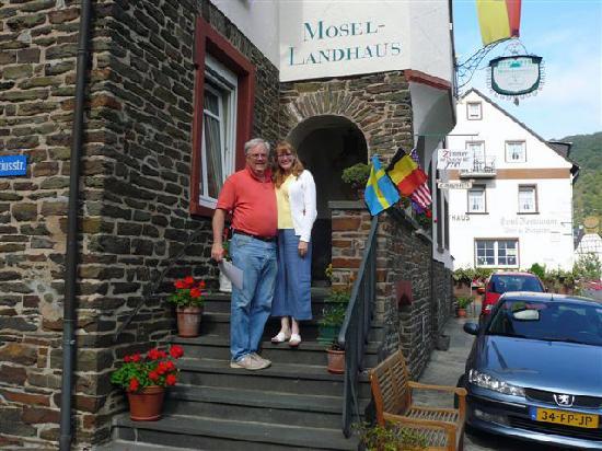 Mosel-Landhaus: The happy honeymooners!