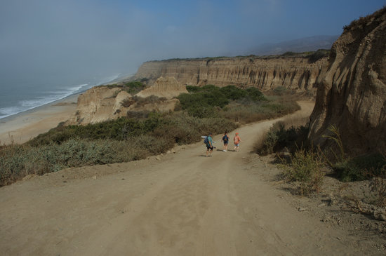 San Onofre State Beach : Hiking Down Trail 6