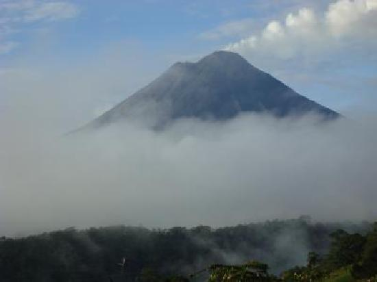 The Springs Resort and Spa: View of Arenal Volcano from our Vista Room