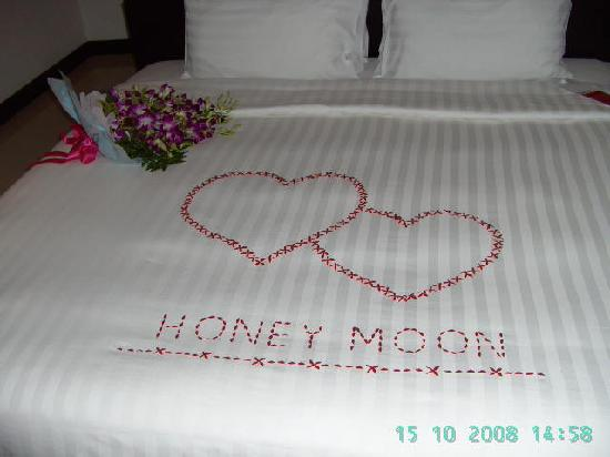 Anniversary room decoration and flowers picture of for Room decoration ideas for 1st anniversary