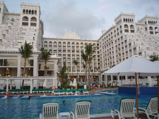 Hotel Riu Palace Pacifico: riu from beach