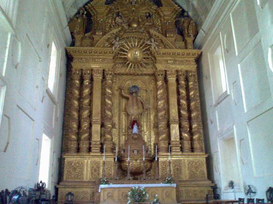 Old Goa: Inside church