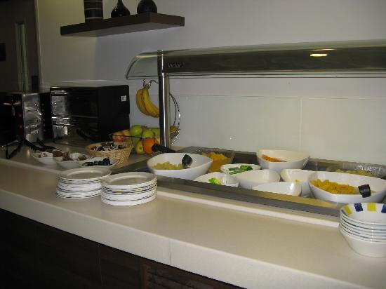Holiday Inn Express Leeds City Centre : Breakfast buffet