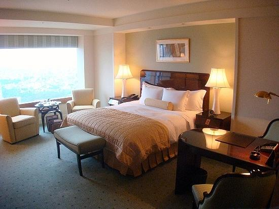 The Ritz-Carlton, Tokyo: The Club Deluxe room - With view of the window