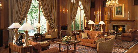 Wildflower Hall, Shimla in the Himalayas: The Lobby