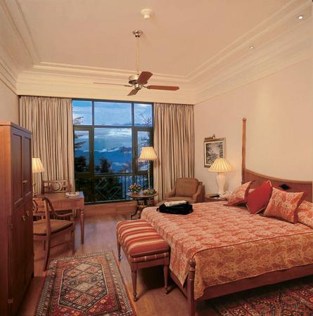Wildflower Hall, Shimla in the Himalayas: The room