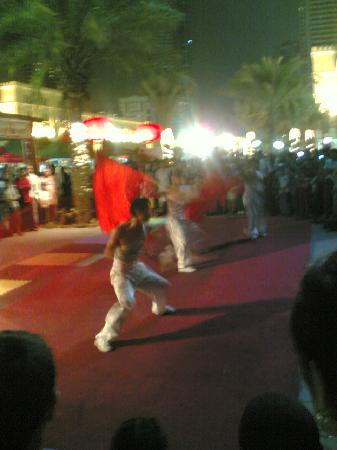 Al Qasba: Chinese marshal art performers
