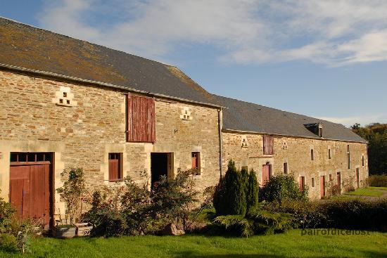 Manoir de la Riviere : Rear of the Manoir