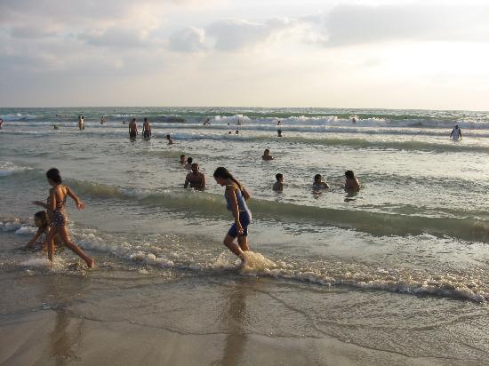 נקורה, לבנון: sea