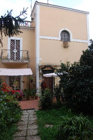 Roma Bed and Breakfast: The B&B
