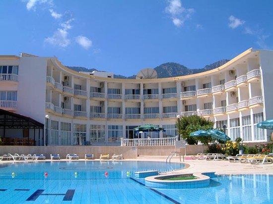 Llh E Cyprus: Cool