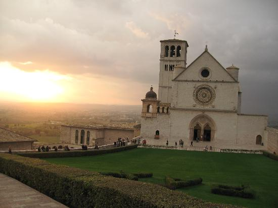 Hotel Berti: Sunset in Assisi