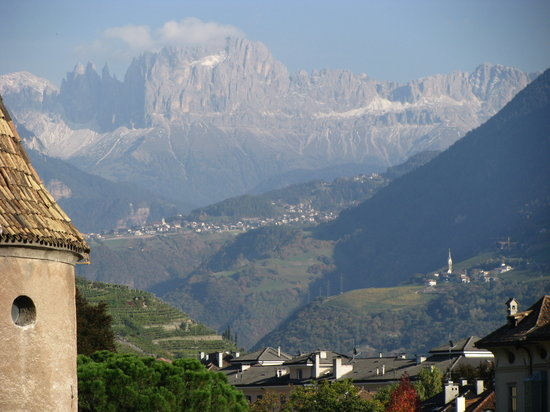 Μπολζάνο, Ιταλία: View of Dolomites from Bolzano
