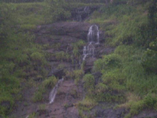 Saputara, India: naturall spring