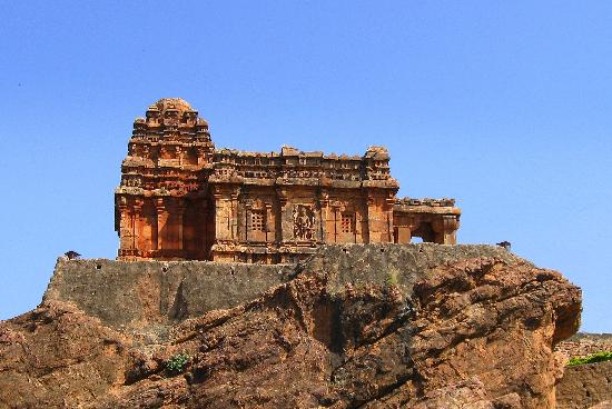 THE MALEGITTI SHIVALAYA TEMPLE. THE OLDEST TEMPLE OF THE CHALUKYAN DYNASTY IN BADAMI.