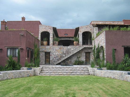 Casaluna Hotel Boutique : Rancho lawn