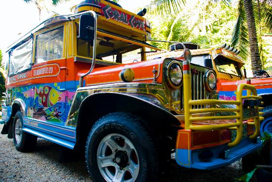 Coral Cove Resort: resort jeepney