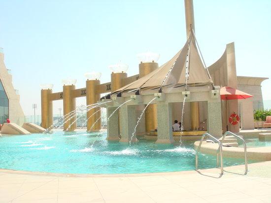 Raffles Dubai: The Pool
