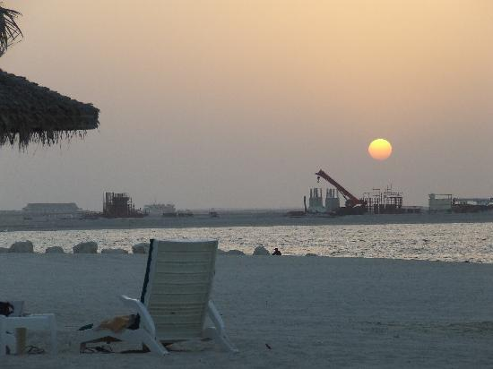 JA Jebel Ali Beach Hotel: The Beach