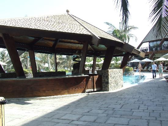 JA Jebel Ali Beach Hotel: Pool Bar