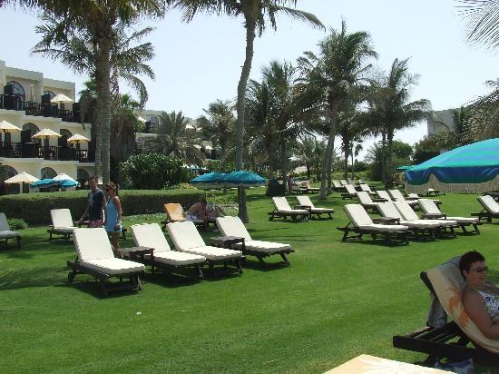 JA Jebel Ali Beach Hotel: Gardens
