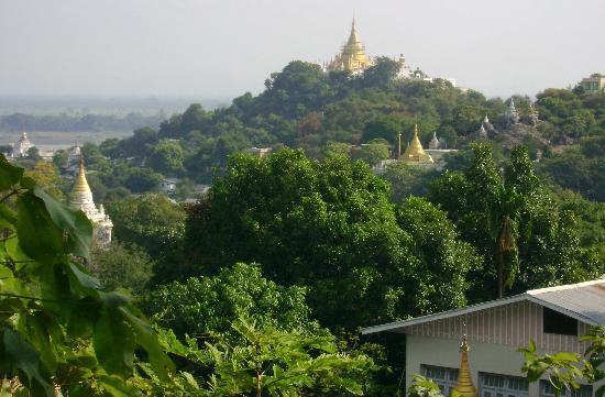 Mandalay, Myanmar: Hilltop pagodas