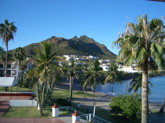 Hotel Playa de Cortes: The morning light on the hill to the west