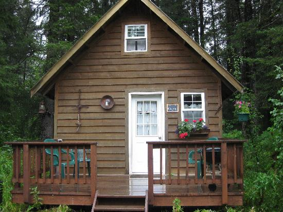 Salmon Creek Cabins: Our Cabin in Seward