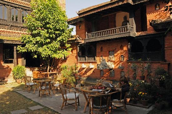 Kantipur Temple House: Vue jardin