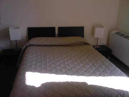 Hotel Reine d'Azur : le lit