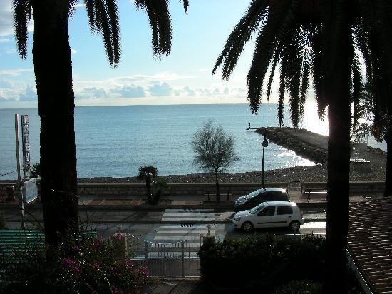 Hotel Reine d'Azur : vu mer