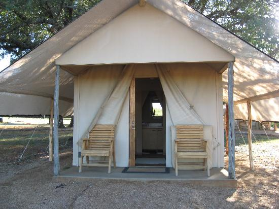Fossil Rim Wildlife Center Safari Tent & Picnic area at 1/2way point - Picture of Fossil Rim Wildlife ...