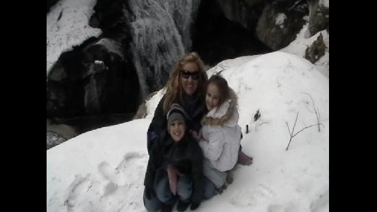 McLaughlin Falls: Wife and kids
