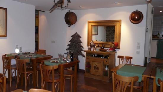 Hotel du Clocher: notre coin repas