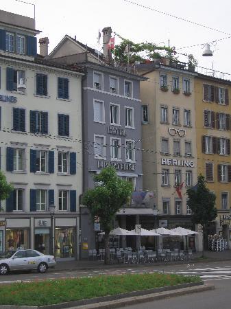 Hotel Limmatblick: Hotel vom Limmatquoi