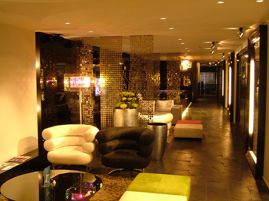 Hotel Be Manos, BW Premier Collection: Hotel bar (with all brands of champagne ;-)