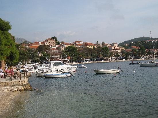 Hotel Cavtat: Cavtat harbour front
