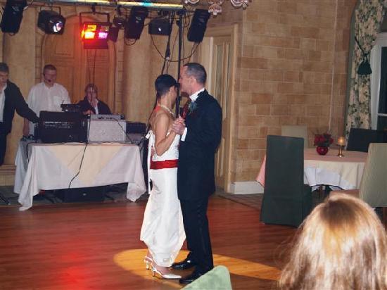Moorpark House Hotel: First dance in the ballroom