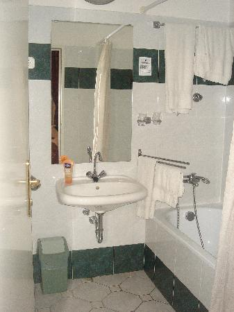 Hotel Kalvin House: bathroom