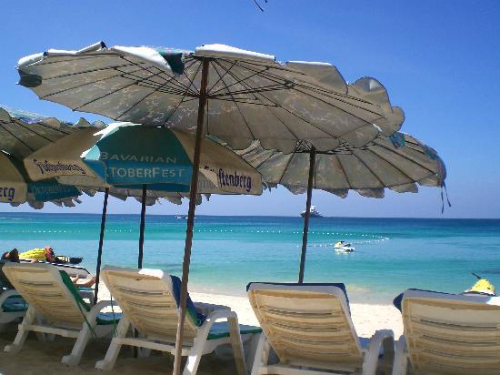 หาดสุรินทร์: sunny day at Surin beach