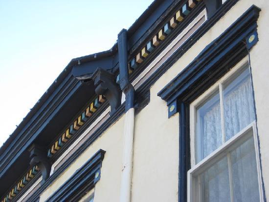 Express St. James Hotel: Exterior detail