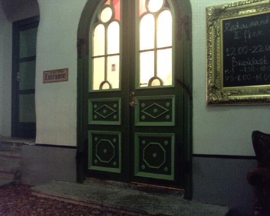 St Olav Hotel: entrance