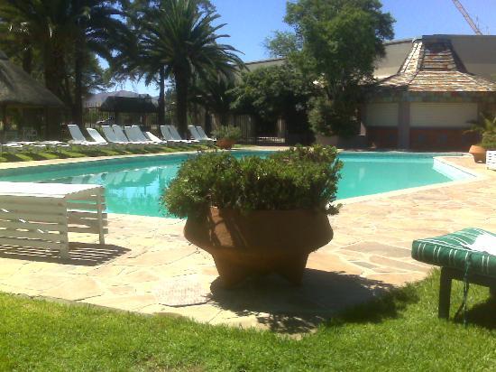 Safari Hotel: View of pool