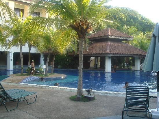 The Lanai Langkawi Beach Resort: piscine
